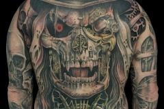 tatouage dos crane