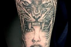 Tatouage femme tigre