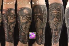 tatouage dark tatoué sur un mollet