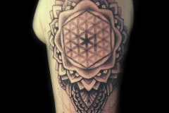 tatouage mandala de soin